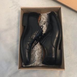 Men's Clark's dress shoes